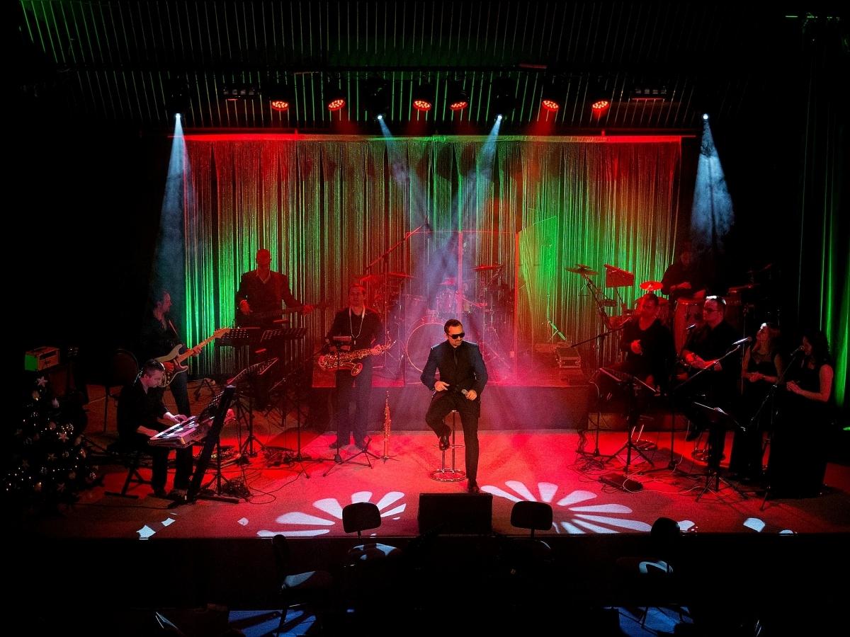 George Michael Band zvedl diváky ze židlí
