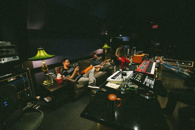 Členové Linkin Park se rozhodli pokračovat i bez Chestera Benningtona