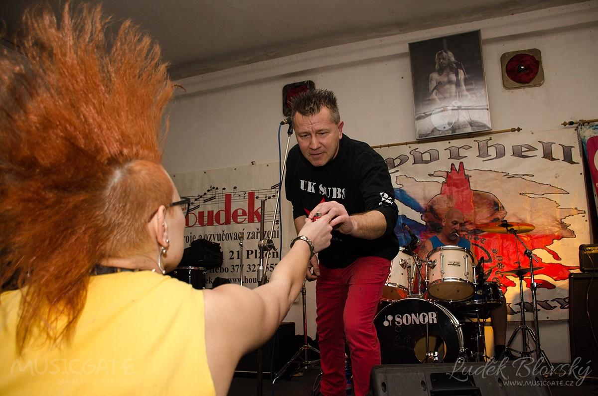 Příznivci punku v Plzni vzdali znovu hold legendě Sidu Viciousovi