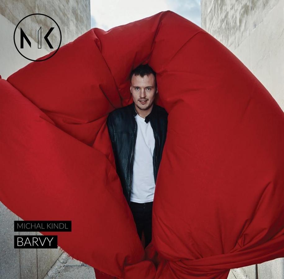 Český muzikant a zpěvák Michal Kindl vydal svůj první klip Barvy