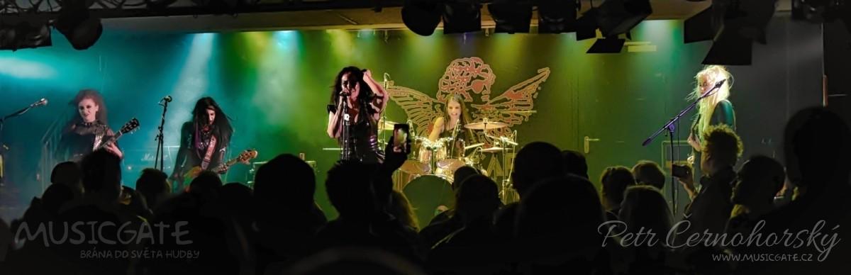 Britské punkerky ovládly Rock Café