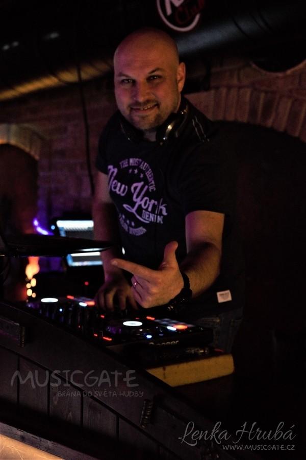 Rozhovor s DJ LeeMac po akci v Retro music Clubu v Zaječí