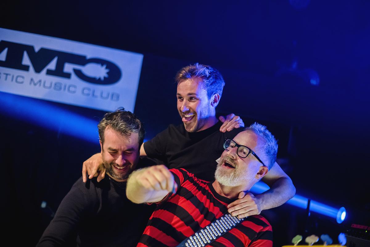 Skupina HEX ukončila úspěšné turné vyprodaným koncertem v Bratislavě!