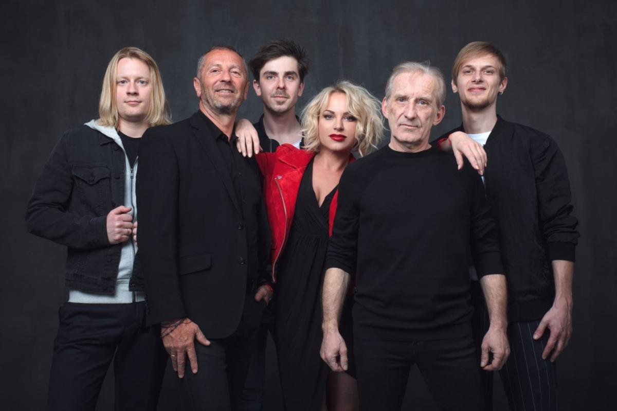 Čechomor slaví třicet let existence na turné. To zahrne i dva exkluzivní koncerty s Kumpanovými muzikanty v Telči a Liblicích