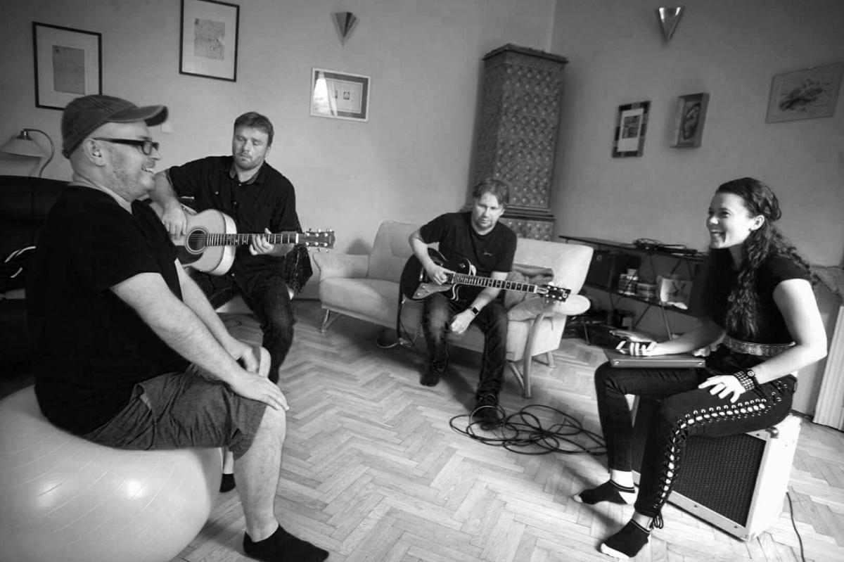 Kapela Peha se po devíti letech vrací. Novou zpěvačkou je Karmen Pál-Baláž.