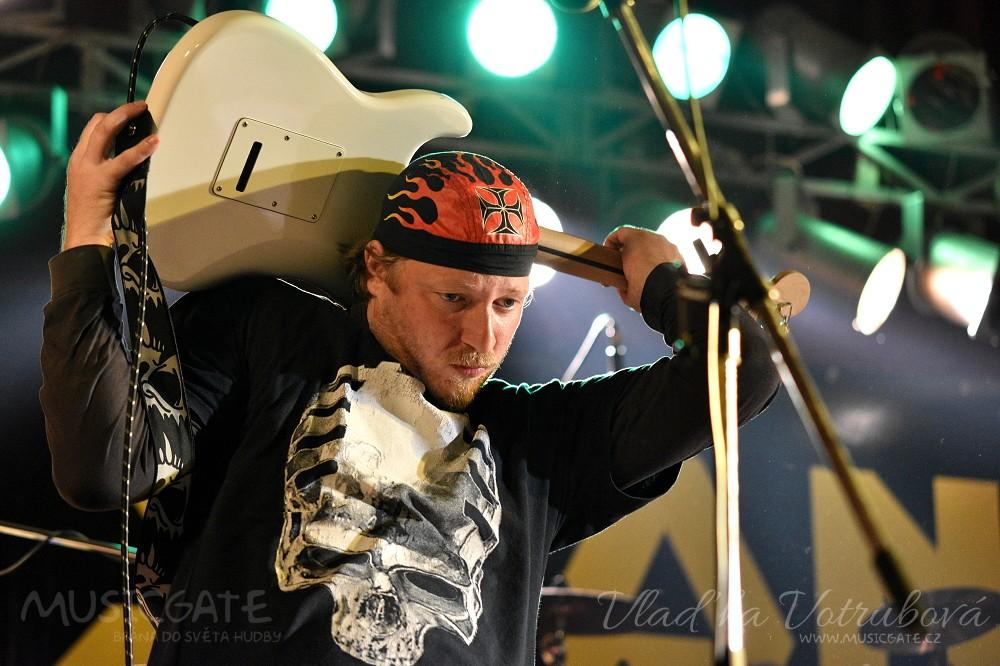 Sifon rock nás v KD Mrákov přesvědčil, že Bigbít sílu dává!