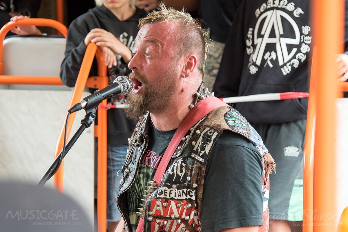 Punkový koncert v tramvaji? V Plzni to jde!