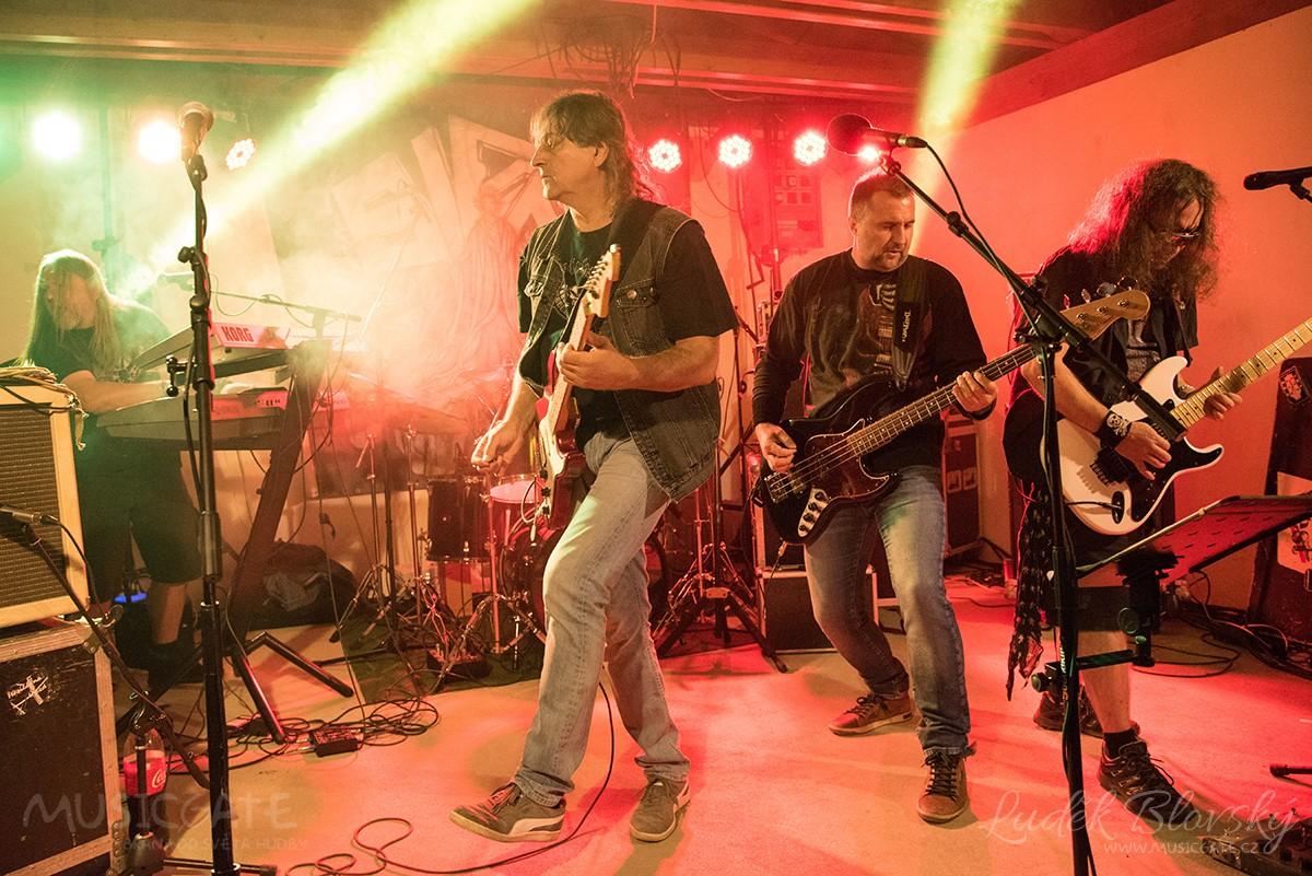 Rockové zakončení Měchpijády si nenechalo ujít početné publikum