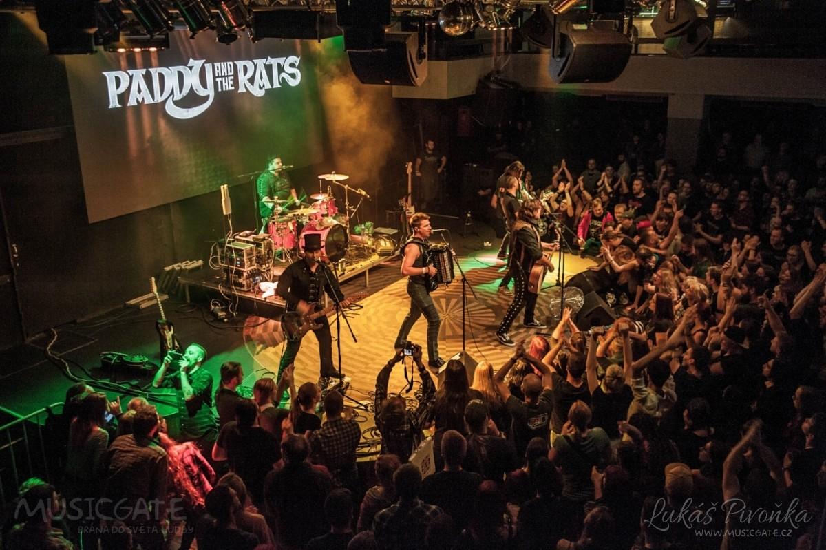 Paddy And the Rats společně s Cheers! přivezli pod hlavičkou Mighty Sounds pořádnou dávku celtic punku do Lucerna Music Baru