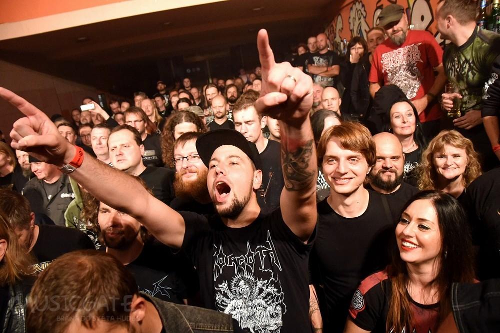 Vader a Entombed A. D. v rámci European Chaos co-headlining tour 2018 v Plzni! Hostem večera byli francouzští Mortuary