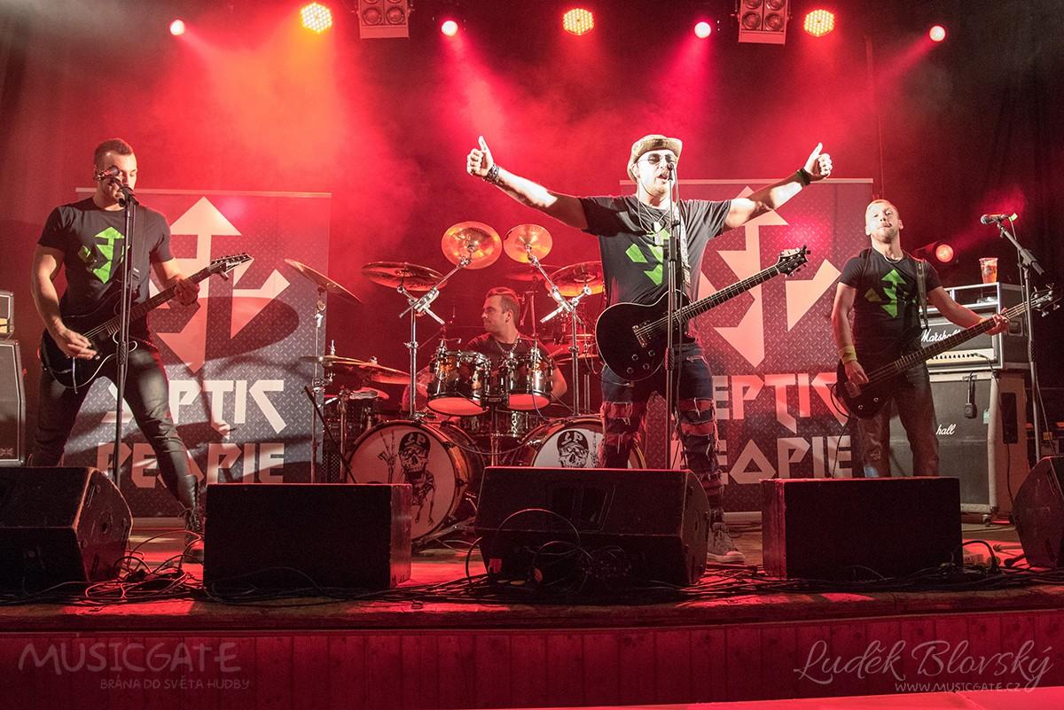 První koncert z trilogie rockových večírků ve Spálené Poříčí uzavřel dílčí kapitolu