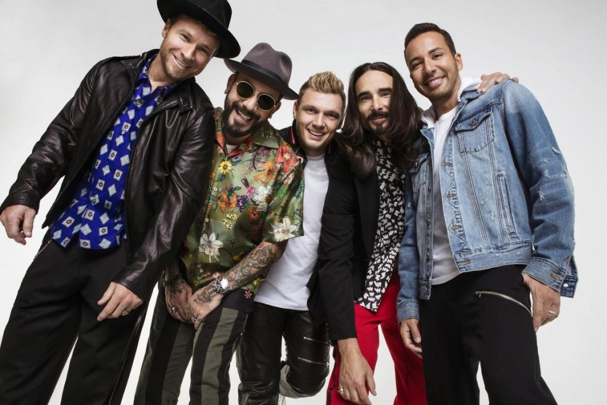 Backstreet Boys se po osmnácti letech vrací na halová pódia, nevynechají ani to pražské.