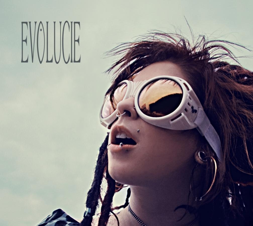 LUCIE VYDÁVÁ PO 16 LETECH NOVÉ ALBUM EVOLUCIE.