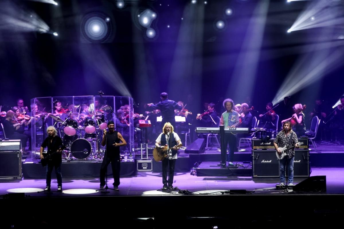 První z koncertu Smokie  v rámci THE SYMPHONY TOUR 2018 v Budapešti