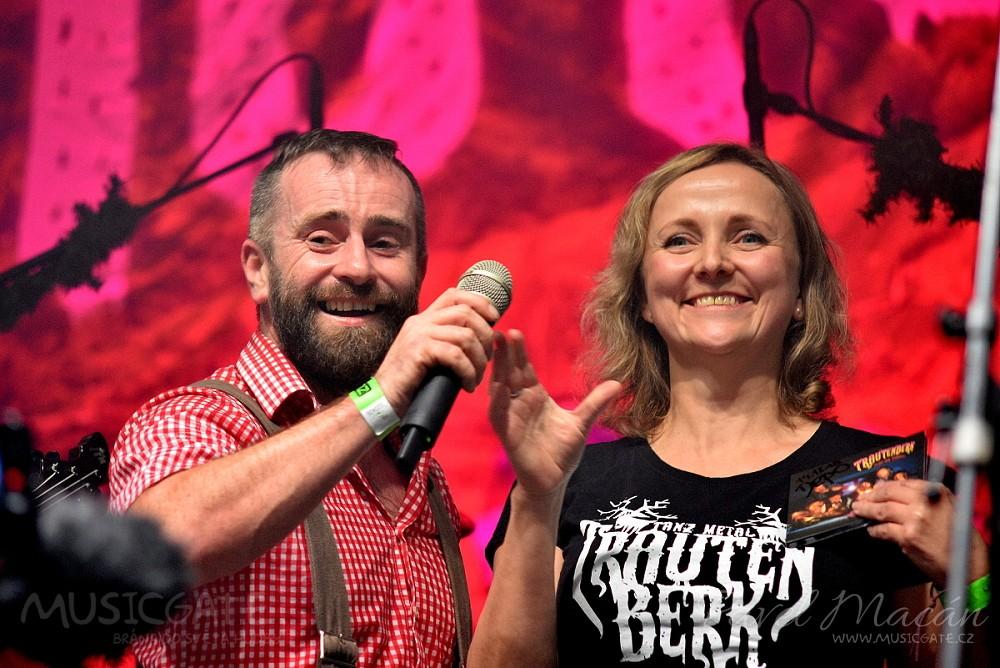 Trautenberk pokřtil nové CD Ticho Nad Pekáčem ve velkém na vyprodaném koncertu v DEPU2015 Plzeň!