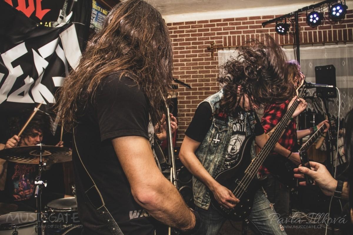 Mladá thrash-metalová kapela Refore pokřtila své první CD!