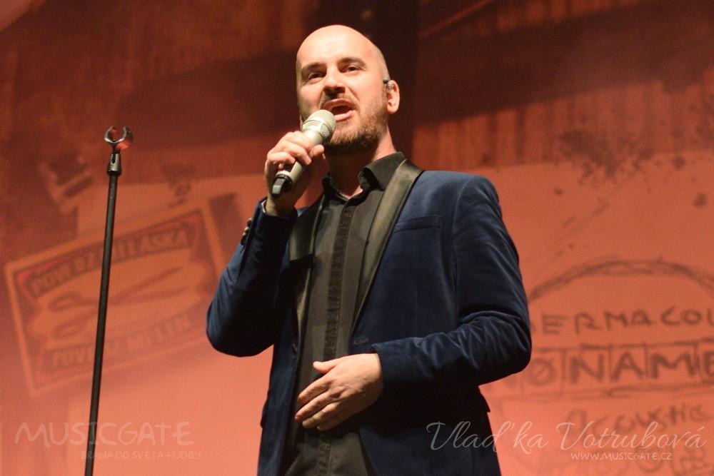 No Name zakončili své Dermacol NO NAME Acoustic tour 2019 v Praze, roztančili celé Fórum Karlín!