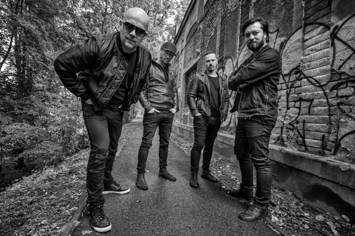 Zbrusu nová kapela Walkmanz tvořená známými hudebníky vypustila první vlaštovku a rovnou i s klipem