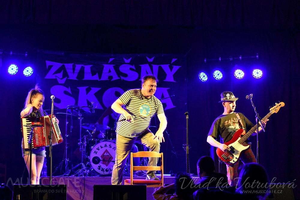 """KD Mrákov zažil další """"Zvlášňý"""" Vánoce s legendární Zvláškou!"""