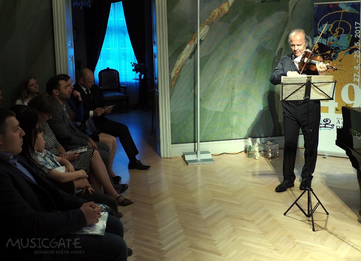 Benefiční koncert Václava Hudečka pro vilu Rusalka