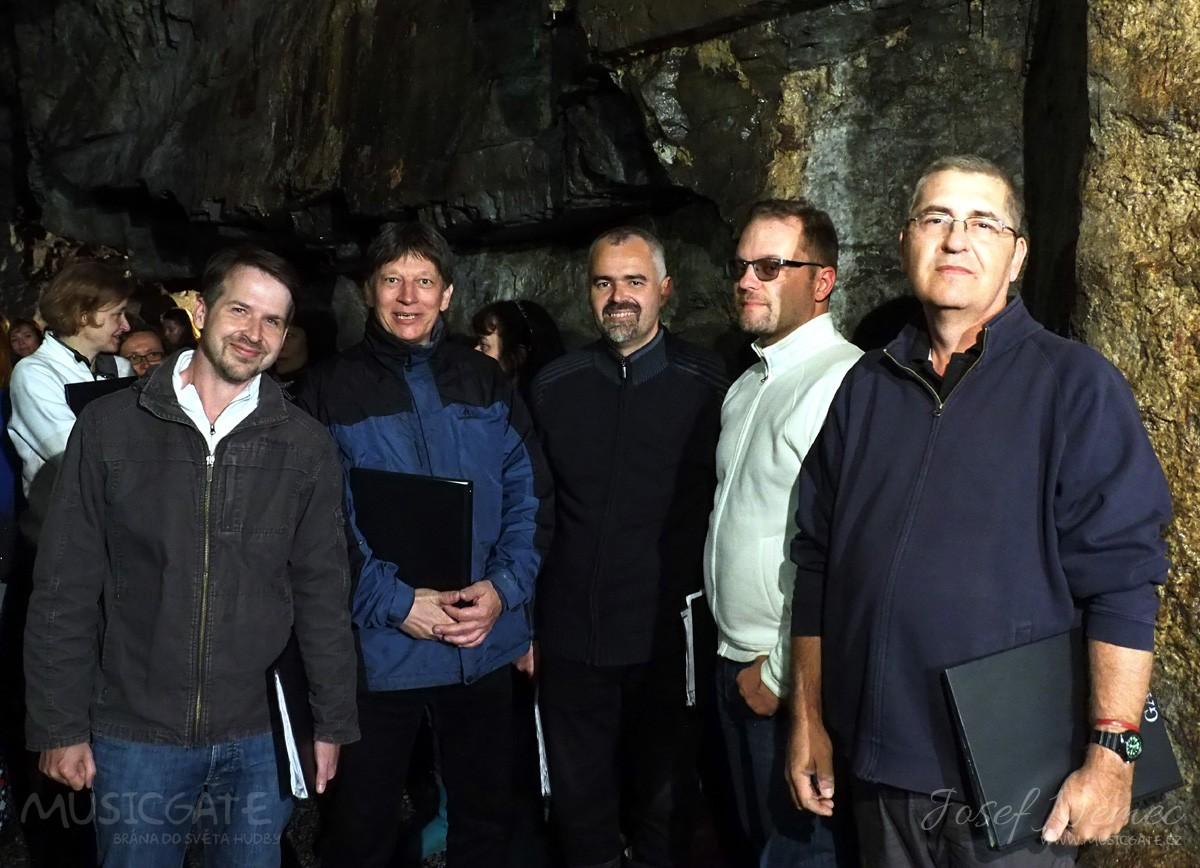Pěvecké sbory v podzemí  příbramského dolu