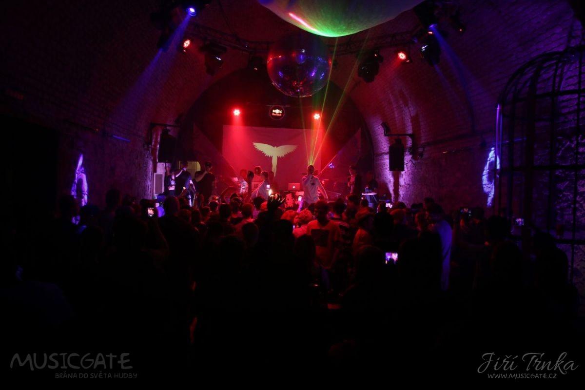 BLAKKOUT TOUR párty v táborském hradním sklepení