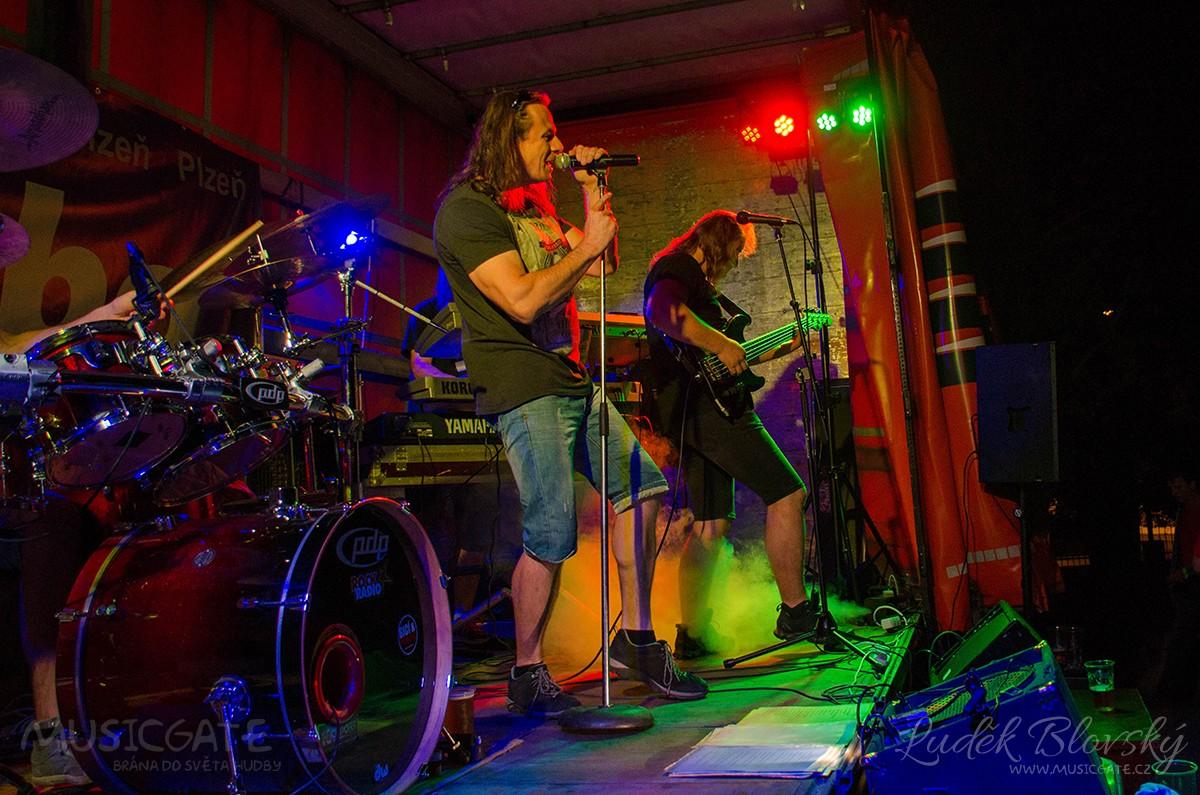 Rocková tancovačka na Sokolovně v Nepomuku