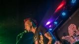 Pogo tour 2019 opětovně rozbourala pražský klub Rock Cafe (14 / 107)