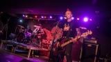 Pogo tour 2019 opětovně rozbourala pražský klub Rock Cafe (16 / 107)