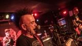 Pogo tour 2019 opětovně rozbourala pražský klub Rock Cafe (32 / 107)
