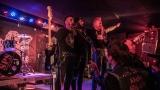 Pogo tour 2019 opětovně rozbourala pražský klub Rock Cafe (33 / 107)