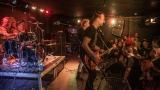 Pogo tour 2019 opětovně rozbourala pražský klub Rock Cafe (35 / 107)