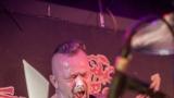 Pogo tour 2019 opětovně rozbourala pražský klub Rock Cafe (44 / 107)