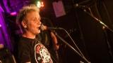 Pogo tour 2019 opětovně rozbourala pražský klub Rock Cafe (46 / 107)