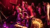 Pogo tour 2019 opětovně rozbourala pražský klub Rock Cafe (50 / 107)
