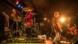 Pogo tour 2019 opětovně rozbourala pražský klub Rock Cafe (75 / 107)