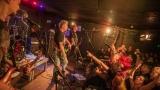 Pogo tour 2019 opětovně rozbourala pražský klub Rock Cafe (79 / 107)