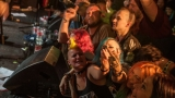 Pogo tour 2019 opětovně rozbourala pražský klub Rock Cafe (98 / 107)