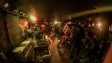 Pogo tour 2019 opětovně rozbourala pražský klub Rock Cafe (102 / 107)