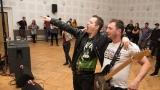 Kapela Strakator - výlet kytaristy mezi fans (122 / 170)