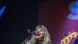 Suzi Quatro se svou Rock And Roll basou vyprodala velký sál Lucerny v Praze. (5 / 55)
