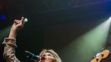 Suzi Quatro se svou Rock And Roll basou vyprodala velký sál Lucerny v Praze. (17 / 55)