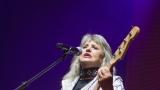 Suzi Quatro se svou Rock And Roll basou vyprodala velký sál Lucerny v Praze. (22 / 55)