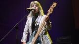 Suzi Quatro se svou Rock And Roll basou vyprodala velký sál Lucerny v Praze. (24 / 55)