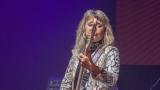 Suzi Quatro se svou Rock And Roll basou vyprodala velký sál Lucerny v Praze. (26 / 55)