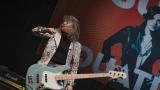 Suzi Quatro se svou Rock And Roll basou vyprodala velký sál Lucerny v Praze. (7 / 31)