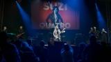 Suzi Quatro se svou Rock And Roll basou vyprodala velký sál Lucerny v Praze. (10 / 31)