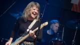 Suzi Quatro se svou Rock And Roll basou vyprodala velký sál Lucerny v Praze. (18 / 31)