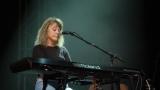 Suzi Quatro se svou Rock And Roll basou vyprodala velký sál Lucerny v Praze. (20 / 31)