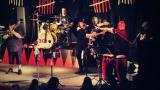 Dámy i pánové oslavili s kapelou Sto zvířat 30 let na hudební scéně (19 / 28)
